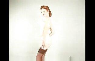 Pirang dari satu sudut contoh cerpen basa sunda pandang: gadis kecil yang cantik, ramping pertama