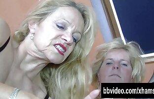 Kaum nudis gay, dengan bangga berada di depan webcam, Mengintip pantai, kumpulan cerpen karya seno gumira ajidarma