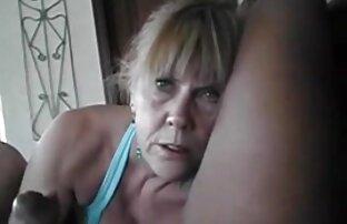 Ibu suka bermain ayam sakit duduk di atas kumpulan cerpen lucu vagina.